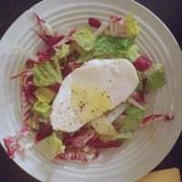 Endive and Radicchio Salad with Fresh Mozzarella