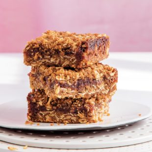 One Pot Raspberry Oatmeal Bars