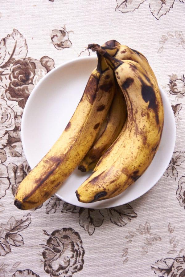 Ripening Bananas / Mia / Katie Workman / themom100.com