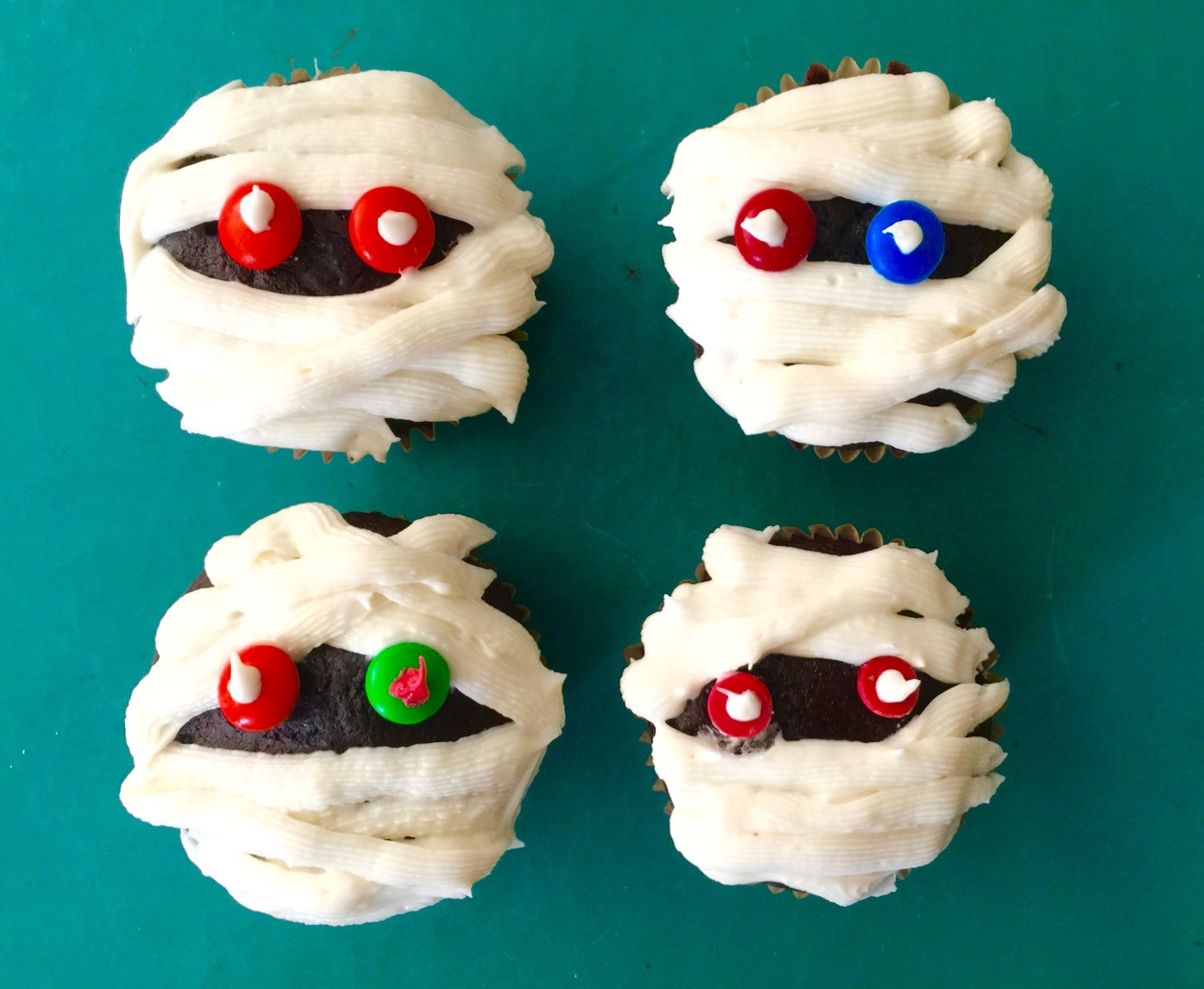 Mummy Cupcakes from Katie Workman / themom100.com
