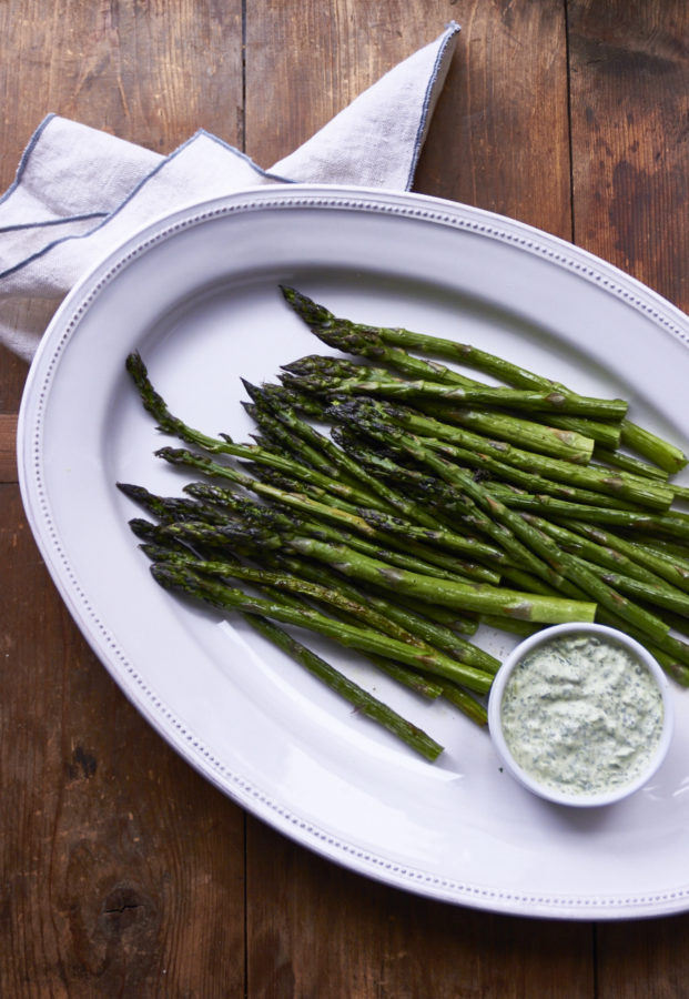 Asparagus with Herb Dipping Sauce / Mia / Katie Workman / themom100.com