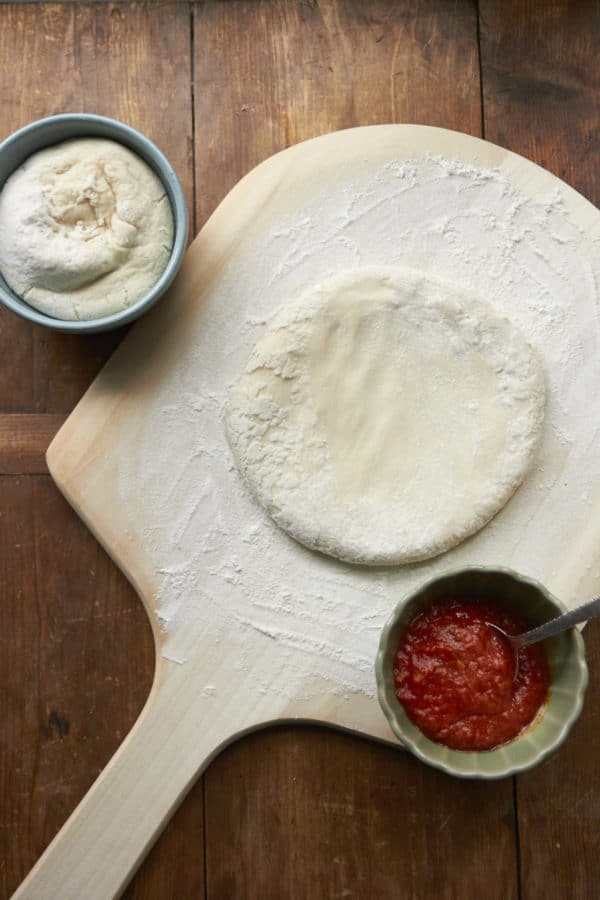 Homemade Pizza Dough / Mia / Katie Workman / themom100.com