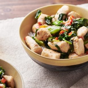 Chicken and Spinach Stir-Fry with Ginger and Oyster Sauce