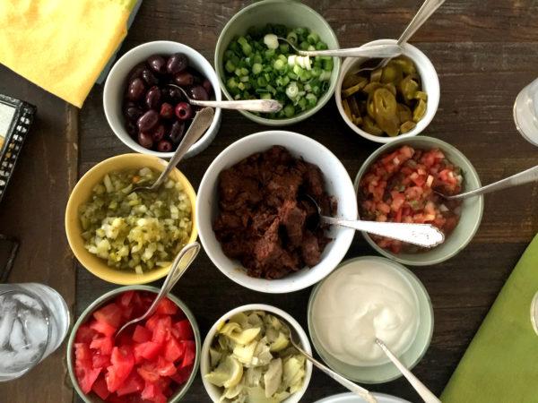 How to Make a Nacho Bar / Laura Agra / Katie Workman / themom100.com