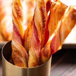 Herbed Cheesy Puff Pastry Bacon Straws