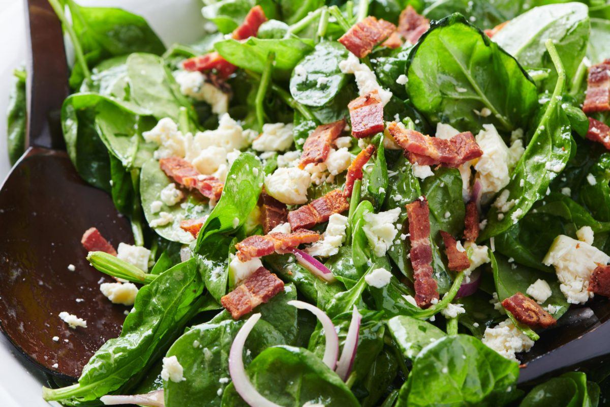 Fully Loaded Spinach Salad with Bacon and Blue Cheese